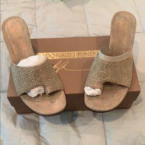 NIB beautiful 1 3/4 heeled pewter sandal